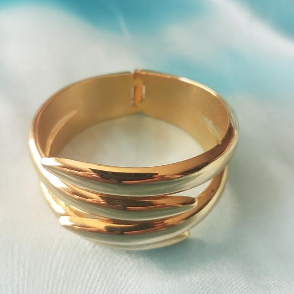 🔥3 for $30🔥Vintage Gold open clasp bracelet